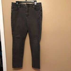 Washed out gray short Skinny jeans